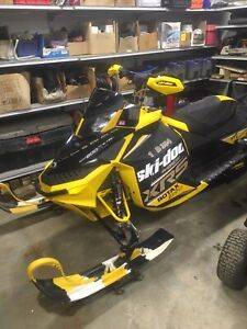 Skidoo MXZ XRS 800 2012 ---- No Trades Please