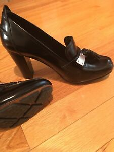 Brand new leather shoes size 8