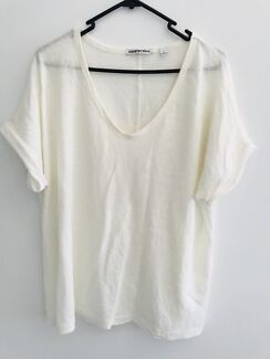 Country road tshirt off white/ cream size xl/16