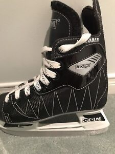 Boys Hockey Skates - CCM in Excellent Condition Size 1