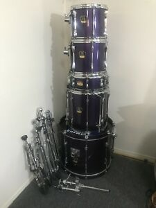 Yamaha drum set