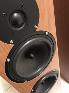 Various hifi/home theatre speakers in almost new cond!Quality sound!