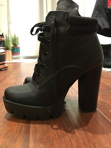 FASHION NOVA* Lace Up Ankle Boots (8)