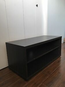 T. v. Stand in good condition