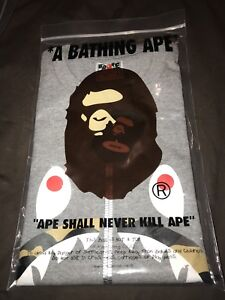 A Bathing Ape 1st Camo Shark T Shirt Size Large
