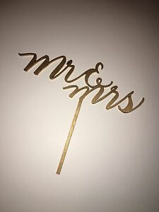 Laser cut wooden mr & mrs cake wedding topper Cambridge Kitchener Area image 2