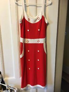 Dresses/Skirts