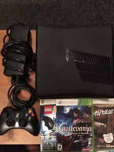 Xbox 360 S Console 500 mb with controller and 3 games