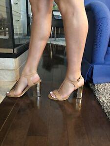 Sandales à talons hauts (grandeur 8)