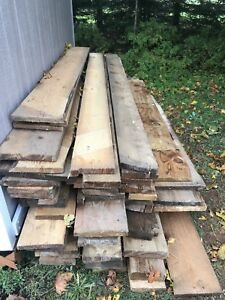 Antique Barn Boards approx 60 boards 8' to 12 feet long