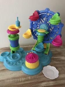 Jeu de pâte à modeler Play Doh «Le carrousel des gâteaux»