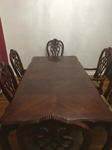Dining table, Hutch and chairs / dinner table
