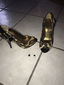Guess heels size 7