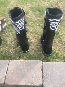 Never used size 11 Dirt bike boots