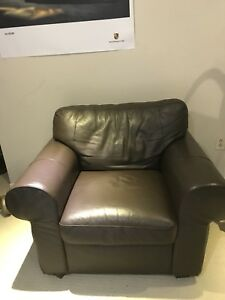 brown leather sofa chair