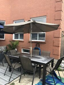 Outdoor Patio Furniture - Table, chairs and Umbrella with st