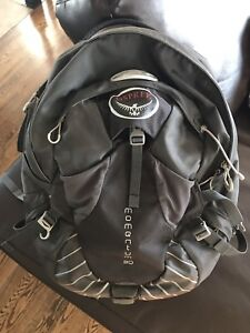 Osprey Momentum Bike/Commuter Backpack 30L