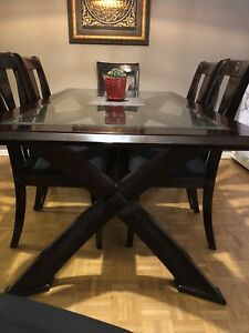 Dining table set  good condition