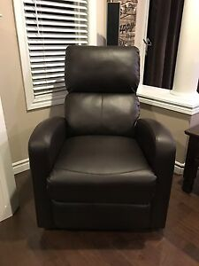 Modern Brown Recliner Cambridge Kitchener Area image 2