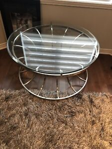 coffee table / table a cafe