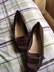 Brown flats size 81/2 wide never been worn