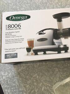 Juicer - Omega model 8006