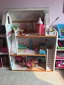 Mansion Doll House