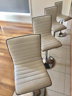 4 white bench stools