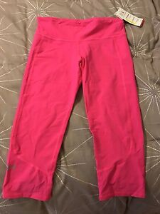 Brand new with tags under armor capris