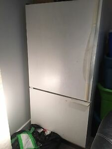 Big fridge/ grand frigidaire
