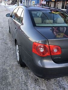 2006 JETTA TDI. NAVI + LEATHER + SUNROOF. TRADE POSSIBLE