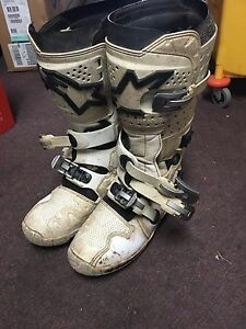 Alpinestars Tech 7 size 10/44 dirt bike boots