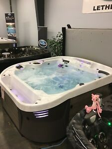Coast Spas Cascade II - Hot Tub