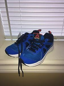 NWT boys Reebok sneakers