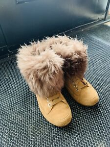 UGS SIZE 6 FOR SALE