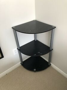 Corner table and toaster