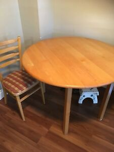 Round dining table 4 chairs