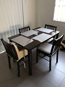Dining table and chairs Mango Hill Pine Rivers Area Preview