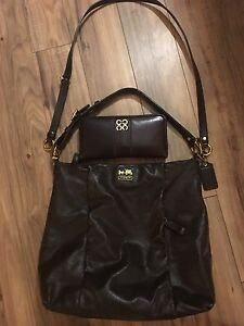 Coach Leather Purse & Matching Wallet