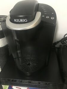 Keurig with stand that holds k cups