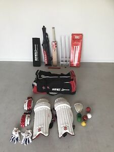 Gray Nicolls Viper bat and gear Bethania Logan Area Preview