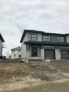 Vaudreuil brand new townhouse for rent