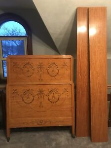 Wood antique twin bed