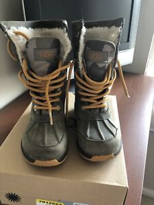 1734cff950 Girls Uggs Boots   Kijiji in Ontario. - Buy, Sell & Save with ...
