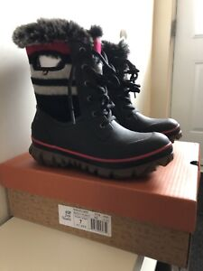 BOGS ARCATA LACE STRIPE WOMEN'S INSULATED BOOTS