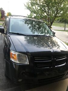 REDUCED PRICE -2008 Dodge Caravan - Stow and Go