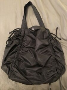 Black Lululemon Yoga Bag