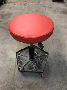 Rolling seat/stool for the garage