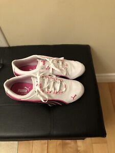 Women's puma sneakers: size 7.5