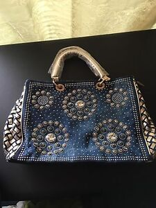Women bag Meadow Heights Hume Area Preview